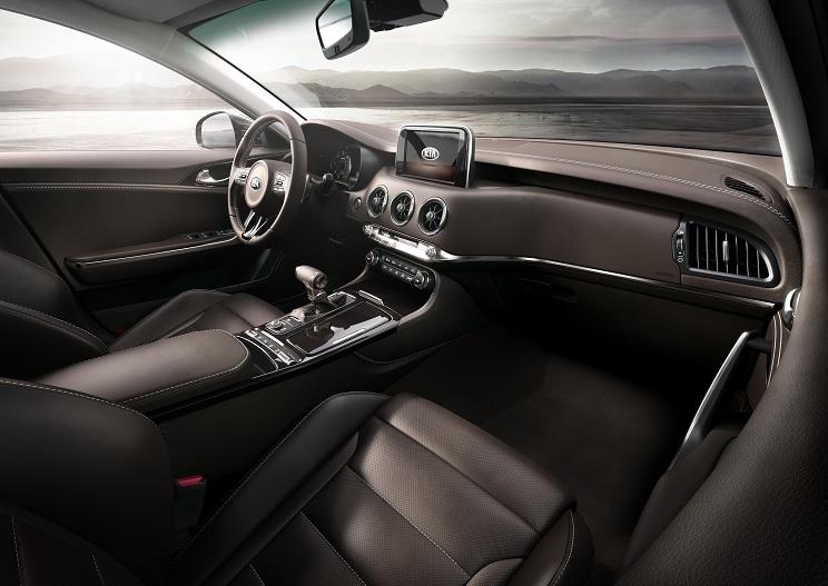Kia Stinger GT Interior (2)_EU Specsm