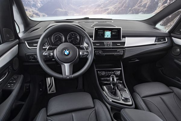 P90288931_lowRes_the-new-bmw-2-series